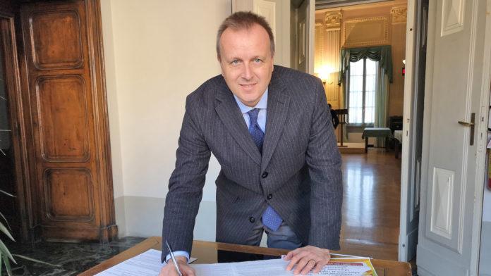 Mondovì il sindaco Paolo Adriano compie due anni