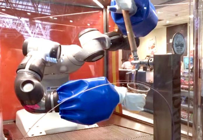 Nepo il robot spilla birra