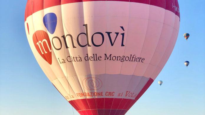 mongolfiera di Mondovi vola a Todi