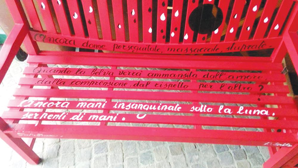una panchina rossa a vicoforte per dire no alla violenza sulle donne l unione monregalese una panchina rossa a vicoforte per