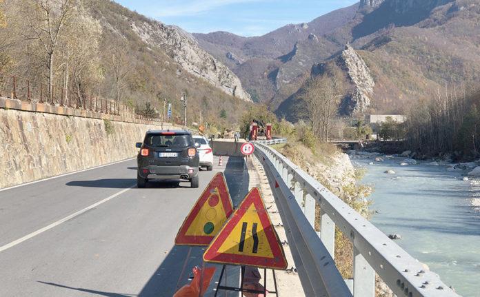 Post-alluvione: traffico aumentato sulla Statale 28. «Situazione critica»