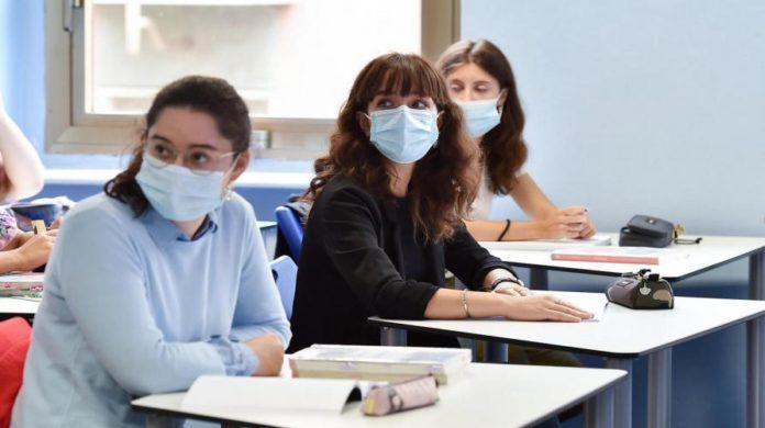 «Non siamo solo studenti, ma prima di tutto persone»: la delusione di Larisa e Valeria due studentesse di Mondovì